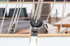 Szczegół pulley, takielunek na żaglówce w porcie Barcelona/, Zdjęcie Stock