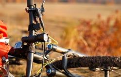 Szczegół rower górski po przejażdżki w naturze Zdjęcia Stock