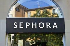 Szczegół Sephora sklep w Bergamo, Włochy Ja jest Francuskim łańcuchem kosmetyków sklepy zakładający w Paryż i gatunkiem fotografia stock