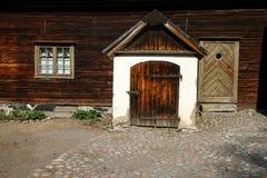 Szczegół stary scandinavian drewniany dom obrazy stock