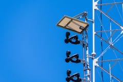 Szczegół telekomunikacyjny przyrząd instalujący na anteny wierza, Kalifornia obrazy stock