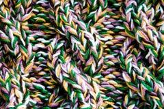 Szczegół tkanej rękodzieło dzianiny projekta woolen tekstura i dziewiarska igła. Obraz Stock