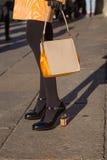 Szczegół torba i buty przy Mediolańskim mężczyzna mody tygodniem 2016 Zdjęcia Stock