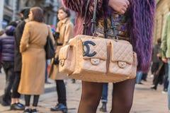 Szczegół torba przy Mediolańskim mężczyzna mody tygodniem 2016 Obrazy Royalty Free
