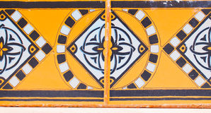 Szczegół tradycyjne płytki od fasady stary dom dekoracyjne płytki Hiszpania tradycyjne płytki ornament kwiecisty Majolika, Wat Obraz Stock