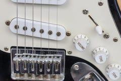 Szczegół używać elektryczna gitara Obrazy Royalty Free
