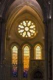 Szczegół witrażu okno we wnętrzu katedry Obraz Stock