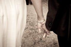 szczegół wręcza właśnie zamężnego Fotografia Stock