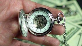 Szczegółowy widok zegarka mechanizm Lepszy opóźniony niż nigdy, osoby marnowania czas zbiory wideo