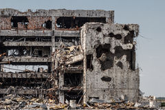Szczegółu widok Donetsk lotniskowe ruiny obrazy royalty free