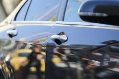 Szczegóły car's drzwiowe rękojeści zdjęcie royalty free