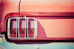 Szczegóły czerwony but, czerwony ogonu światło i chrom, matrycowali zderzaka zdjęcie stock