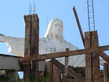 Szczegóły robot budowlany W tle, statua Chrystus odkupiciel obraz stock