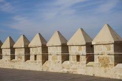 Szczegół embattlement na Calahorra wierza, cordoba, Hiszpania zdjęcia royalty free