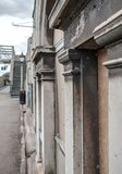 Szczegół stary i abanonded dworca seansu szczegół swój architektura obok kolejowej platformy Zdjęcie Stock