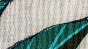 Szczeg?? orientalny India?ski batik, handmade z naturalnymi kolorami, handcrafted w miejscu produkcji Wideo z t?a rotat zbiory wideo