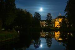 Szczelina Zeist, kasztel Zeist przy nocą/ Zdjęcie Stock