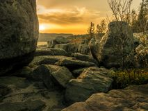 Szczeliniec Wielki - parco nazionale della montagna della Tabella, Polonia immagine stock