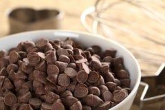 szczerbi się czekoladę Fotografia Royalty Free