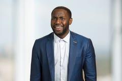 Szczery uśmiechnięty afro amerykański biznesmen Obrazy Stock