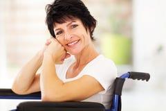Szczęśliwa niepełnosprawna kobieta Zdjęcia Royalty Free