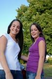 szczęśliwi nastolatkowie Zdjęcia Stock