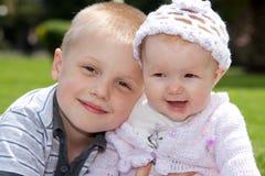 szczęśliwi rodzeństwa Obraz Royalty Free