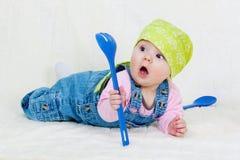 szczęśliwy dziecka kucharstwo Zdjęcia Royalty Free