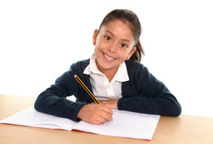 Szczęśliwy dziecko ono uśmiecha się wewnątrz z powrotem szkoła i edukaci pojęcie z notepad Obraz Stock