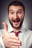 Szczęśliwy mężczyzna daje ręce dla uścisku dłoni Obraz Royalty Free