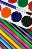 szczotkarscy malarzów palety ołówki Obrazy Stock
