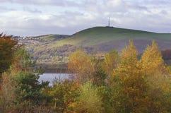 Szczytowy Gromadzki Dovestone rezerwuaru Greenfield, Anglia, UK obraz stock