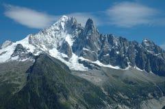 Szczyty w śnieżnym niedalekim Chamonix w Alps w Francja Obrazy Royalty Free