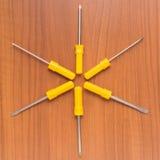 Sześć kolorów żółtych śrubokrętów Obraz Royalty Free