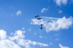 Sześć samolotów na lata pogodnym niebie Zdjęcie Royalty Free