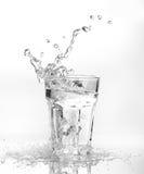 sześcianów szkła lodu chełbotania woda Obrazy Royalty Free