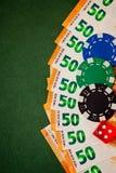 Sześcian szczerbi się euro banknoty, tło dla teksta zdjęcia royalty free