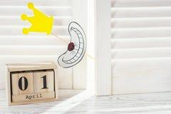 Sześcianu kształta kalendarz dla Kwietnia 01 Błaź się ` dnia pojęcie Zdjęcie Stock