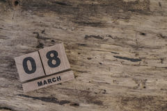Sześcianu kalendarz dla marszu na drewnianym tle Zdjęcie Royalty Free