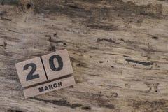Sześcianu kalendarz dla marszu na drewnianym tle Fotografia Royalty Free