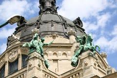 Szechenyi är det medicinska badet i Budapest, Ungern, det största medicinska badet i Europa Arkivfoton