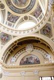 Szechenyi är det medicinska badet i Budapest, Ungern, det största medicinska badet i Europa Royaltyfri Bild