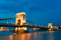 Szechenyi Chain bro i den Budapest Ungern Royaltyfri Fotografi