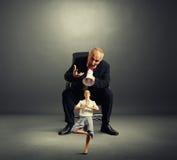 Szef krzycząca mała kobieta Obraz Royalty Free