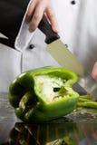 szef kuchni target1484_1_ zielonego pieprzu Zdjęcia Royalty Free
