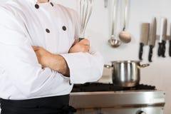 Szef kuchni z śmignięciem obrazy royalty free