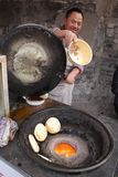 Szefa kuchni kucbarski Chiński blin na kuchence Zdjęcie Royalty Free