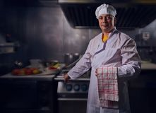 Szefa kuchni kucharz, wielki projekt dla żadny zamierza Kulinarny pojęcie Kuchenny portret zdrowa żywność pojęcie diety Szefa kuc zdjęcie stock