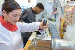 Szefa kuchni mienia dźwigni urządzenie zdjęcia royalty free