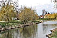 Szeged sikt på delen av Maros royaltyfri foto
